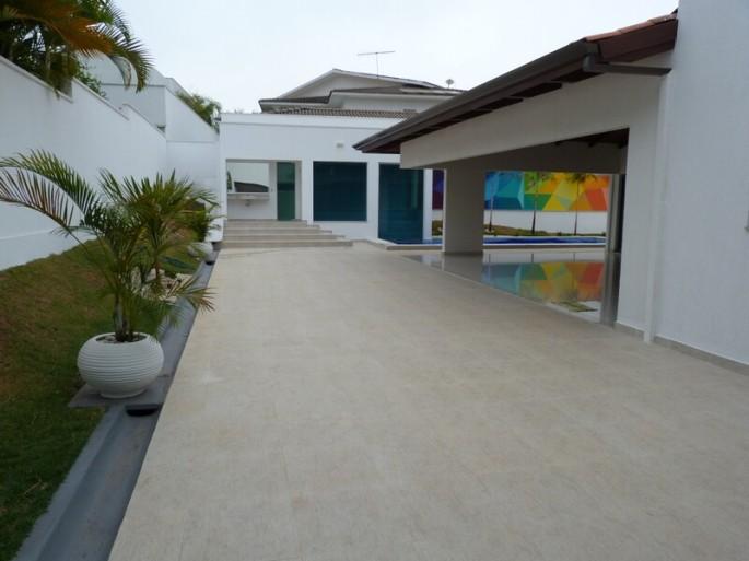 Casa 4 suites a venda no Alphaville Cruzeiro Goiania com piscina e alto padrao nova