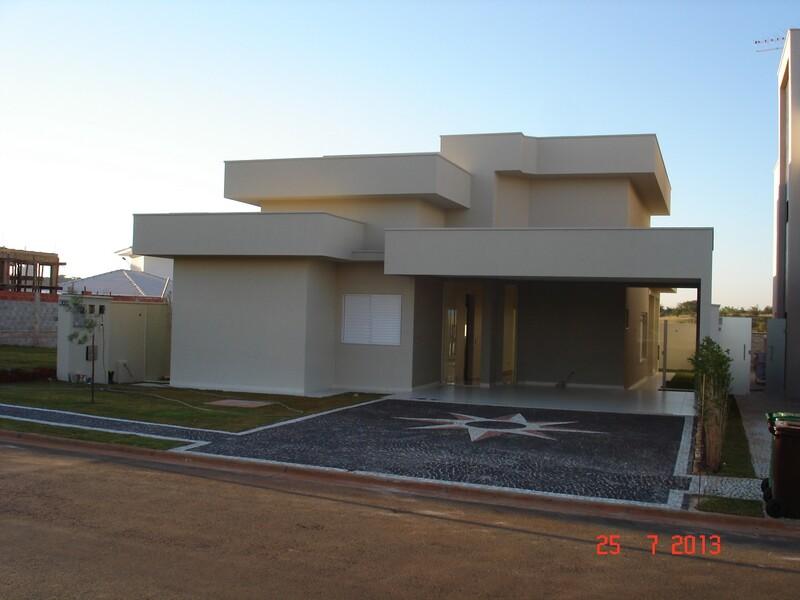 Casa 3 suítes a venda em Condomínio Fechado em Goiânia