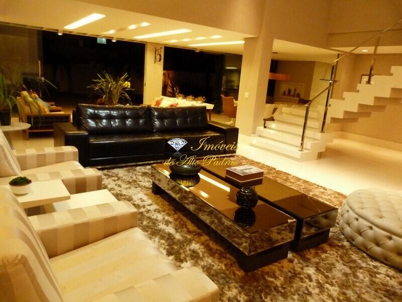 Casas e sobrados a venda em Condomínio de Luxo em Goiânia