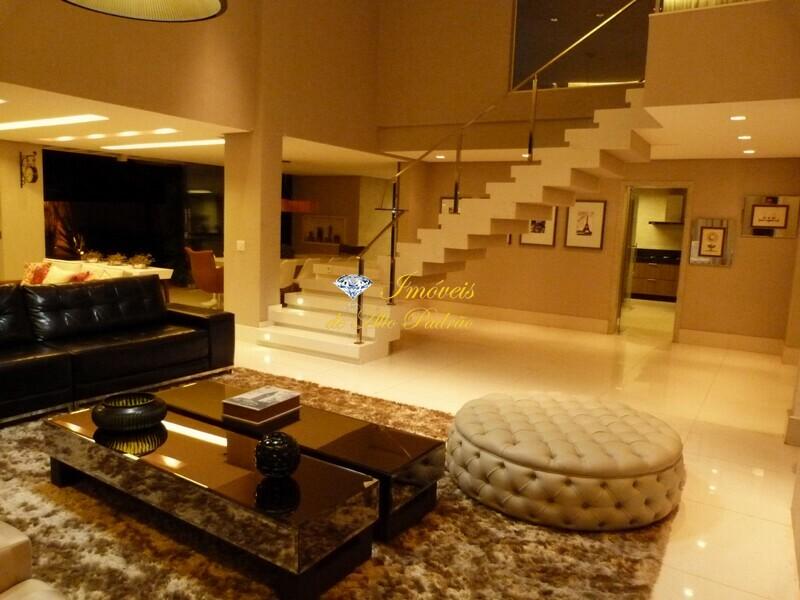 Goiânia – Sobrado 4 suítes de luxo a venda em Condomínio Fechado